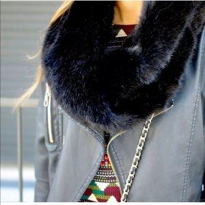 ZARA Black Faux Fur Snood Beautiful Scarf NWT